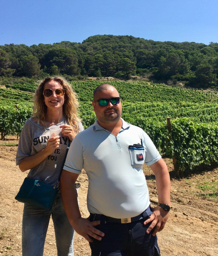 Bewaker en bezoeker in de wijngaard van Gorgona