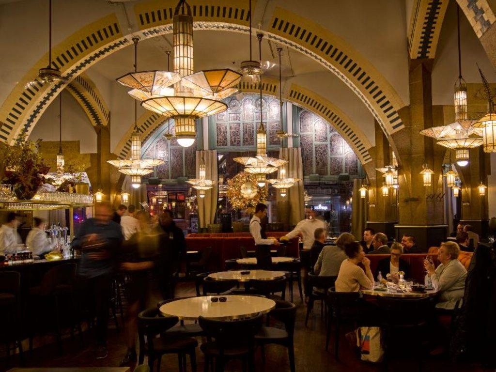 het prachtige café americain in amsterdam