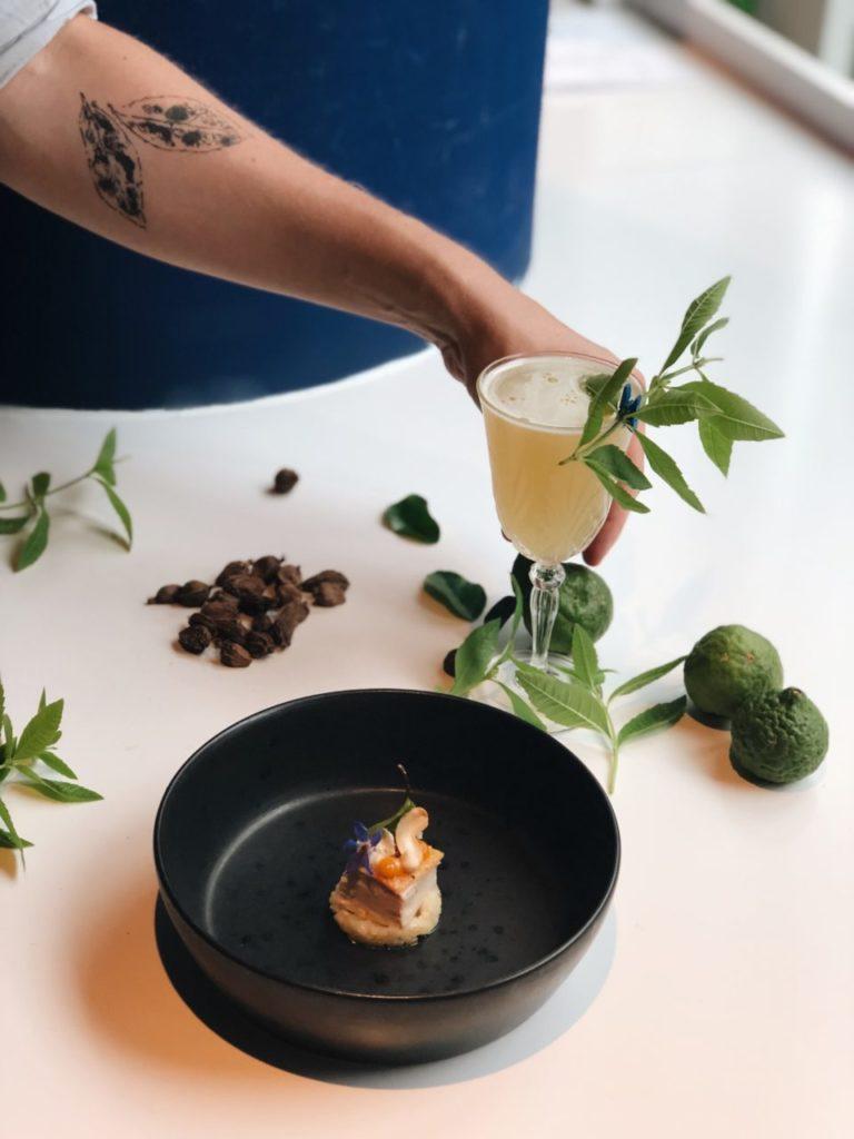 Prachtige cocktail met bite bij Bluespoon in Amsterdam